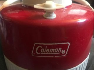 Really nice vintage Coleman beverage cooler looks like its never been used