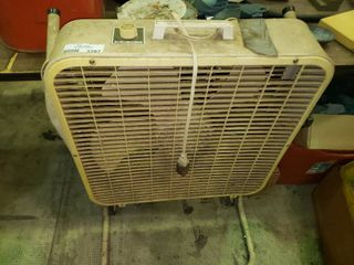 lakewood 3 Speed Box Fan