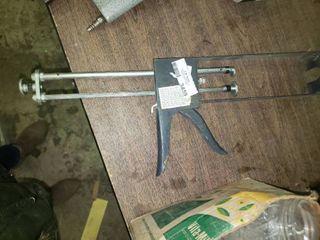 Newborn Dual Component Caulk Gun