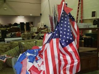 lot of Red  White and Blue Patriotic Home Decor  TOTE NOT INClUDED BRING OWN BOX