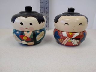 set of two Japanese kokeshi dolls lacquerware lidded bento box