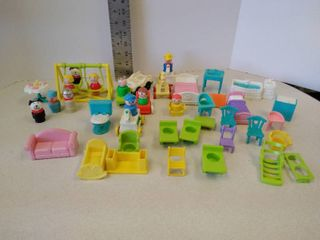 vintage lot of little people and play set furniture