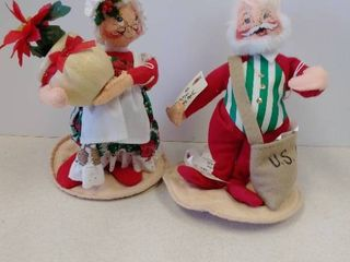 Annalee Mr  and Mrs  Santa Clause cloth figures