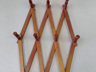 HODA expandable Peg rack