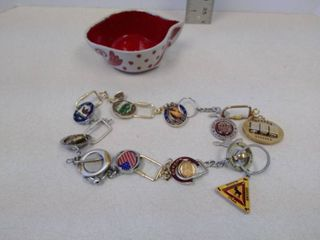 lot of State keychains with Galagrow bowl