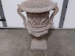 A  Silvestri Co  Planter Urn  701 24  concrete