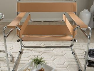 Strick   Bolton Saunders Tan Accent Chair  Retail 292 99