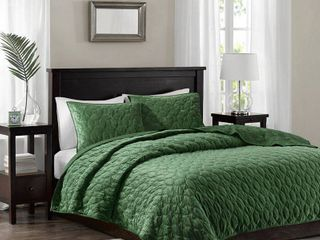 Madison Park Emery Faux Velvet Reversible 3 Piece Full Queen Coverlet Set  Retail 82 49