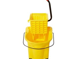 Rubbermaid Commercial FG748000YEl 26 quart WaveBrake Mop Bucket with Side Press Wringer  Yellow