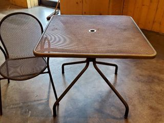 3ft x 3ft Metal Patio Table With 4 Chairs