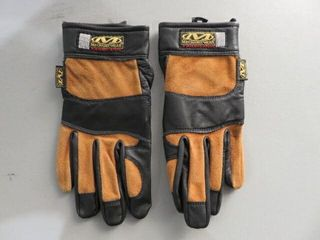 Mechanix Wear Med  Fabricators Gloves