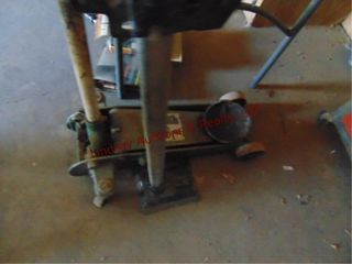 1 1 2 ton floor jack   manual jack missing handle
