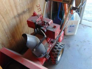 Toro 35 21 gas pwrd snow blower w  gas can UNTESTD