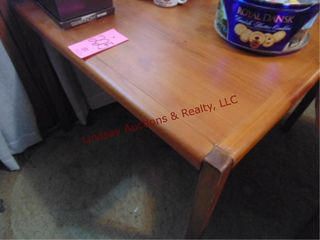 Wood table  legs may need repair