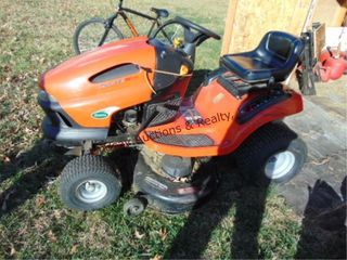 Scotts 17 5hp 42  cut riding mower w  bagger setup