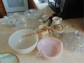 1 lot of misc glass  creamers  sugar  bowls   othr