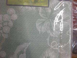 lintex Grapevine Vinyl Tablecloth