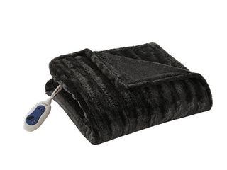 Electric Duke Faux Fur Throw  50 x70  Black   Beautyrest