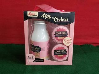 luxe Milk   Cookies Bubble Bath And Bath Bombs Tub Time Retreat By Mr Bubble
