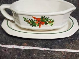 1991 Pfaltzgraff Christmas Heritage Gravy Boat With Saucer In Box 12 433