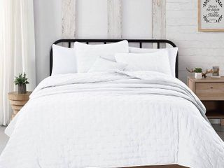 Great Bay Home 3 Piece Dot Stitch Quilt Set with Shams  White Dot Full Queen Quilt Set  All Season Bedspread Quilt Set  Athena Collection  Full Queen  White