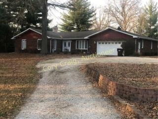 Country Real Estate Auction Taylorville IL