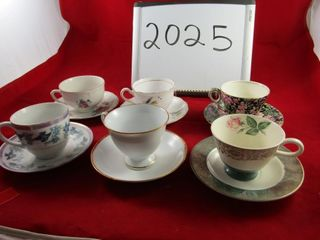 Cups and saucers  Royal art pottery  Colclough