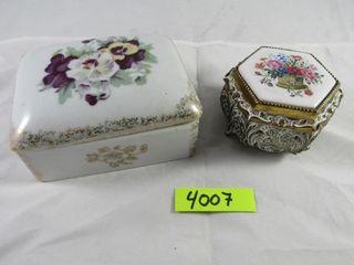 Musical trinket boc   porcelain covered dresser