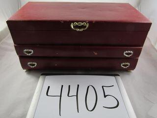 Buxton jewellery box 16 5  x 8 25  x 7 75  H