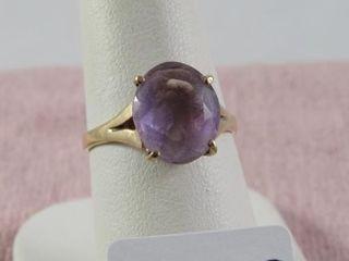 10 kt y g amethyst ring size 7 5   2 81 grams