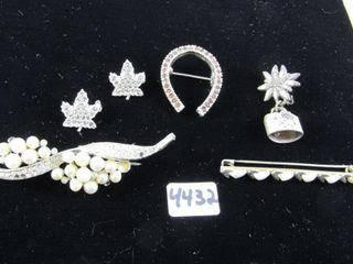 Fashion Jewellery  Group of silver toned broaches