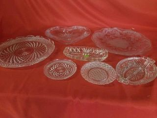 BEAUTIFUl GlASSWARE  2 FROSTED AND RAISED PlATTER
