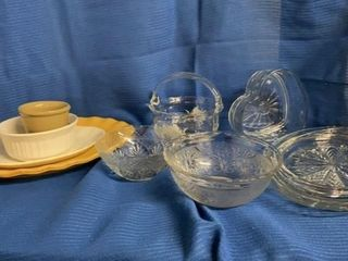 ASSORTMENT OF PlATTERS BOWlS AND HEART SHAPES