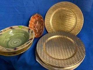 JEllO MOlD   PIER ONE BIG BOWl AND PlATTER AND 8