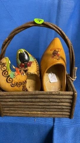 BASKET WITH 3 DUTCH WOODEN SHOES