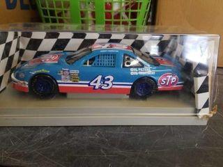 BOBBY HAMIlTON  STP  43 RACE CAR