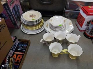 INCOMPlETE SETS OF DINNERWARE AND CUPS
