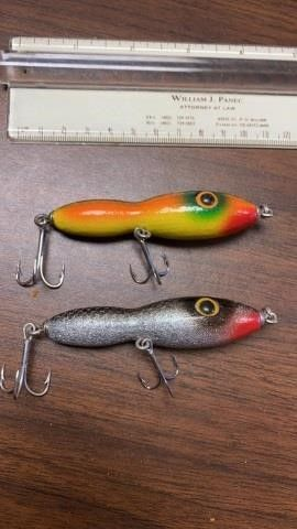 2 COlORFUl FISHING lURES
