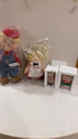 CAMPBEll SOUP KIDS DOllS AND CHRISTMAS ORNAMENTS