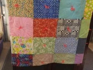 80 X72  PATCHWORK COlORFUl QUIlT WITH PAISlEY