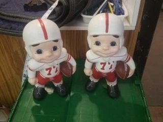 2 HUSKER CERAMIC FOOTBAll PlAYERS