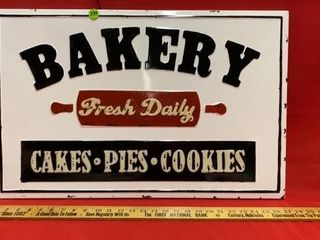 METAl SIGN  BAKERY FRESH DAIlY  CAKES