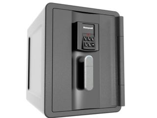 Waterproof Fire and Theft Safe   Black  Retail 155 99