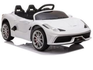 12V Kids Ride On Sports Car 2 4GHZ Remote Control  Retail 209 99