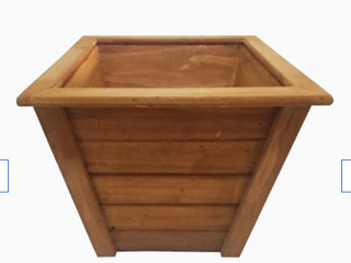 Style Selections 17 72 in W X 13 98 in H Cedar Wood Planter