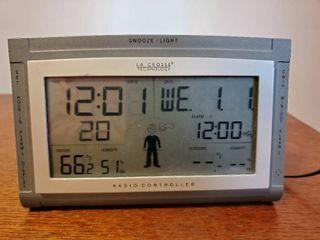 lA CROSS Technology  Alarm Clock and Weather Station