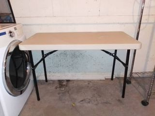 4ft lifetime Collapsible Table