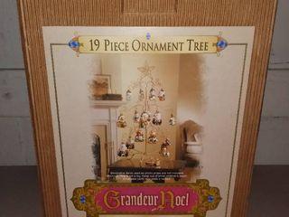Grandeur Noel 19 Pc  Set Metal Tree And 18 Mercury Glass Ornaments