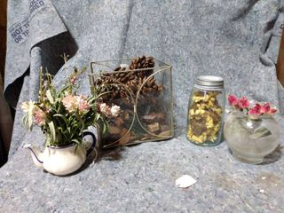 lot of Decorative Floral Items