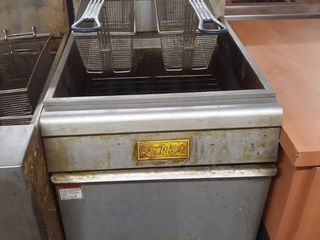 Qualite 25lb Deep Fryer With two baskets